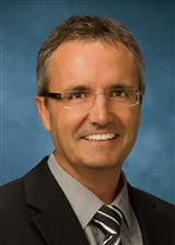 Piers Anthony  Blewett